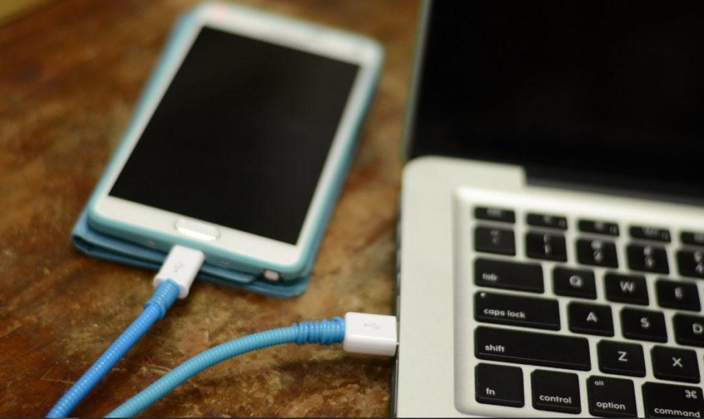 Телефон по USB только заряжается